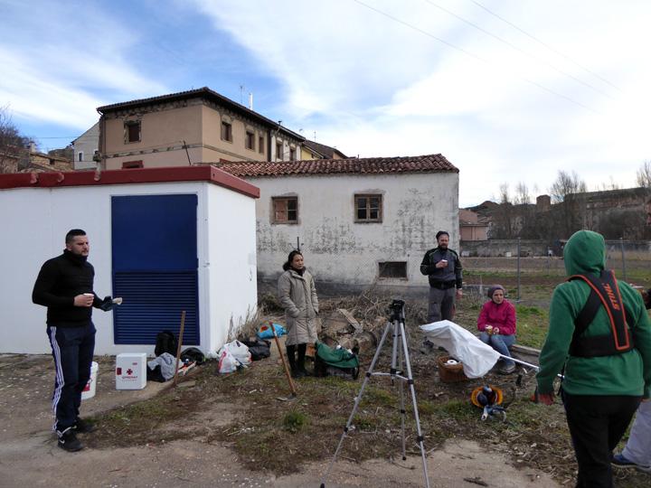 Poniendo en marcha el huerto social en molina de arag n for Casa rural molina de aragon
