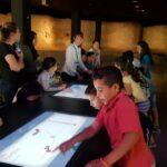 Visita familias CaixaProinfancia al museo MUDEM en Molina de Segura (Murcia)