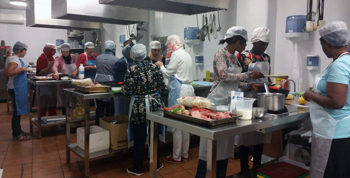 Disfrutamos en zaragoza de un curso de cocina espa ola nuevossenderos fundaci n cepaim - Cursos de cocina zaragoza ...